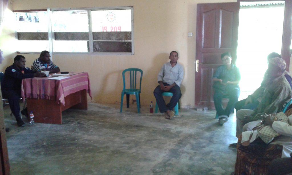 Pertemuan adat di Kantor Lembaga Masyarakat Adat Kabupaten Sorong. Dok/red