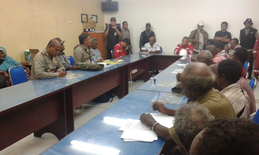 Suasana hearing di JOB Salawati. Dok/red