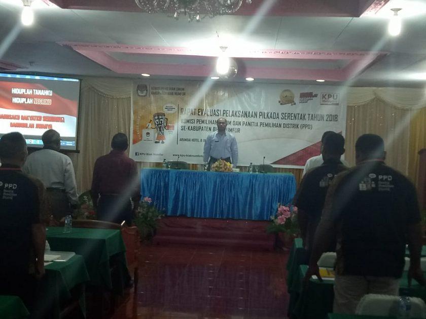 Rapat evaluasi KPU Biak Numfor bersama PPD se-Kabupaten Biak. dok/red
