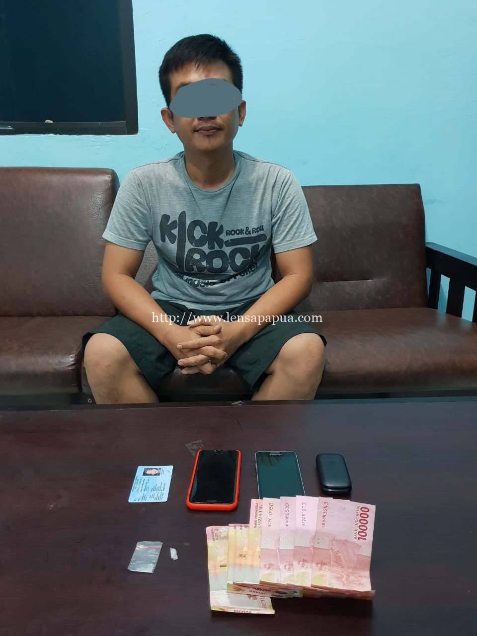 Salah seorang pengedar narkoba yang berhasil diciduk Satresnarkoba Polres Sorong, D. Dok/res