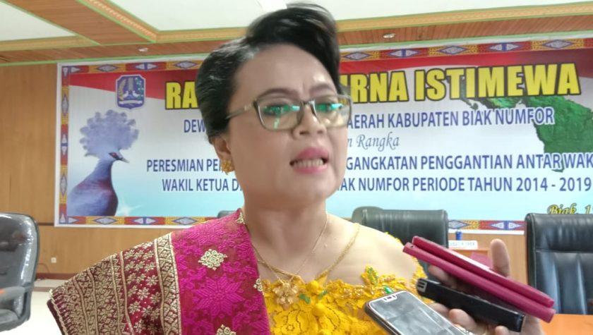 Ketua PAW DPRD Biak Numfor, Linda Simanjuntak. Dok/red
