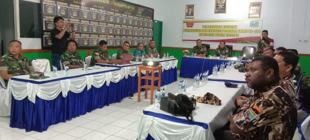 Tim Wasev Sterad Laksanakan Pengawasan dan Evaluasi TMMD di Kampung Makmakerbo