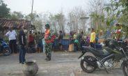 Totalitas Anggota Koramil Margoyoso (Kodim Pati ) Dalam Membantu Air Bersih Diwilayah Kekeringan