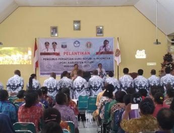 Pemkab Supiori BerharapPGRI Bisa Mendukung Kemajuan Proses Mengajar Guru di Supiori