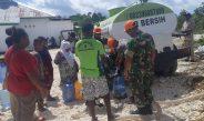 Paskhas Biak Salurkan Bantuan Air Bersih Bagi Warga Kampung Moibaken