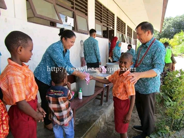Salah satu kegiatan dalam kunjungan kerja TP PKK Kabupaten Sorong. Dok/humas