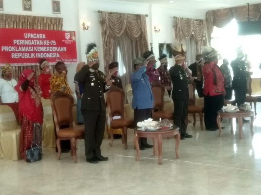 Pacara bendera virtual dalam rangka peringatan HUT RI Ke-75 di Kediaman Bupati Sorong. Dok/red