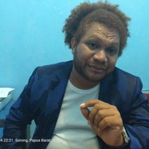 Ketua Dewan Adat Papua Wilayah III Doberay Papua Barat, Paul Finsen Mayor. dok/red