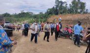 Kapolres Sorong Turut Lakukan Peletakan Batu Pertama Pembangunan Rumah Jabatan Ketua & Sekretaris Bakal Klasis GKI Malamoi